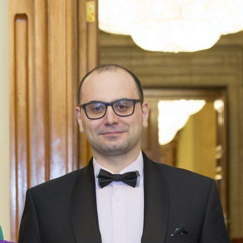 д-р Джеймс Йоловски